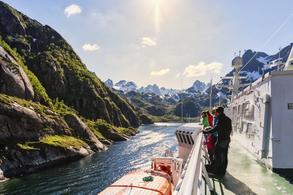 Inn i Trollfjorden ombord MS Richard