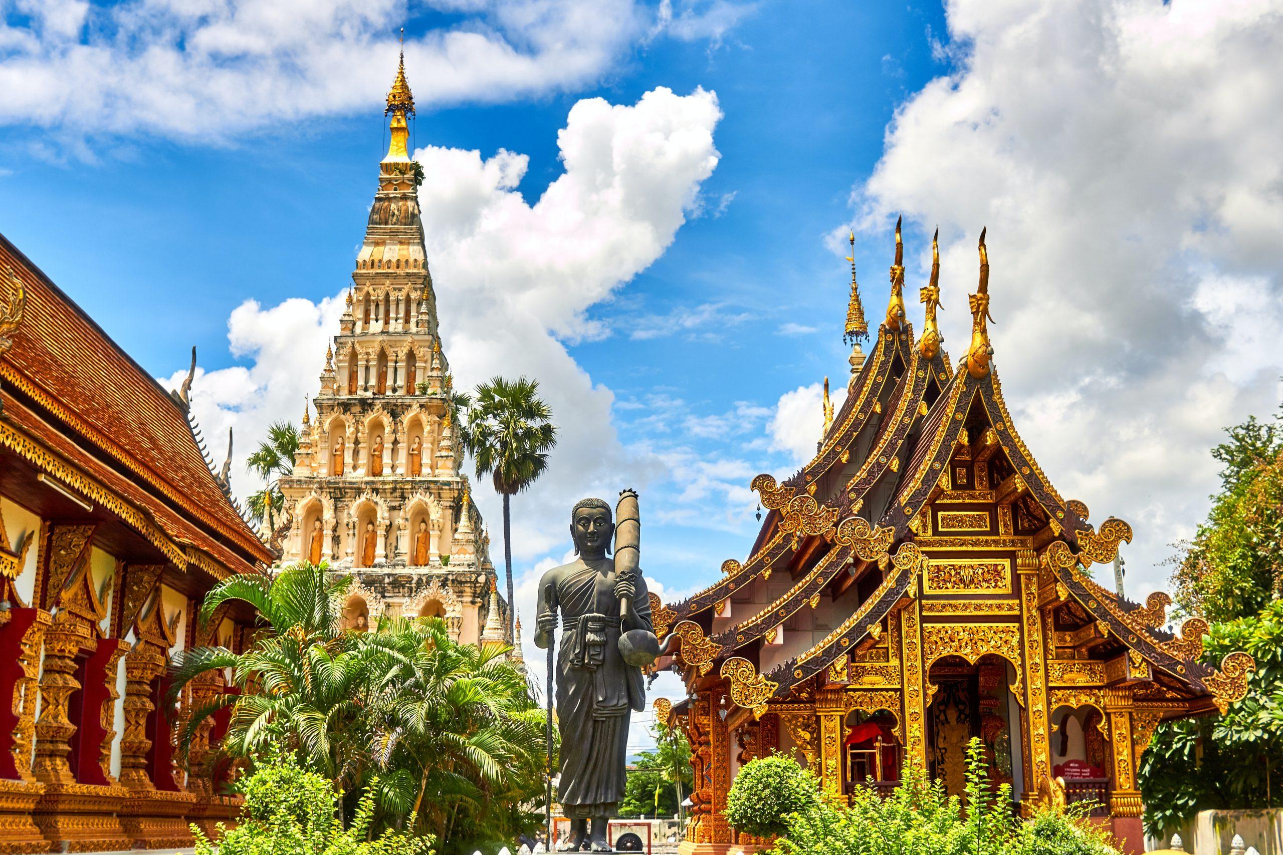 Buddhastaty och tempel i Thailand