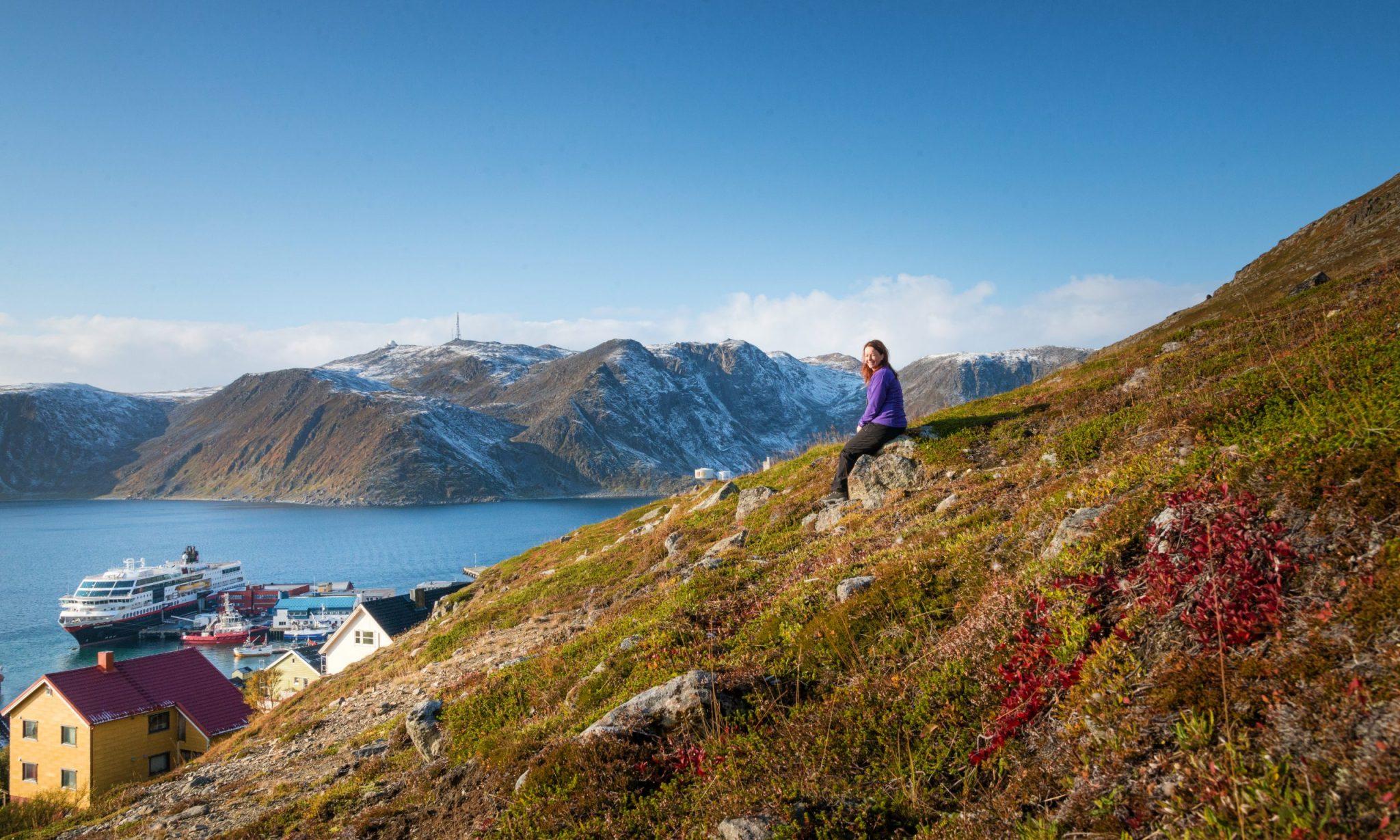 Höstfärger i det norska landskapet