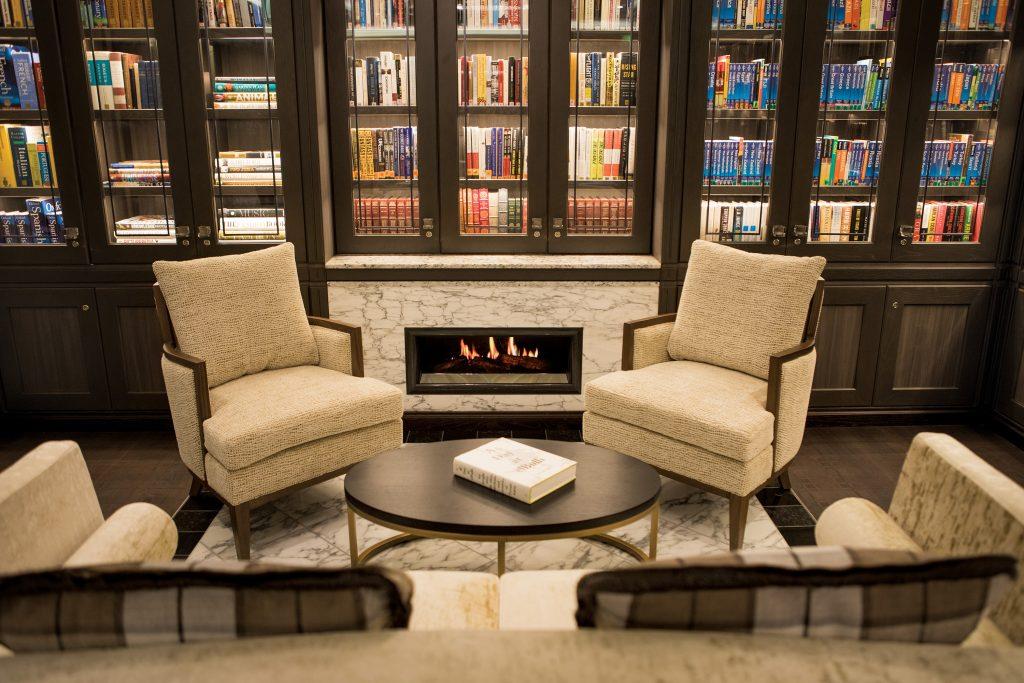 bibliotek på regent seven seas