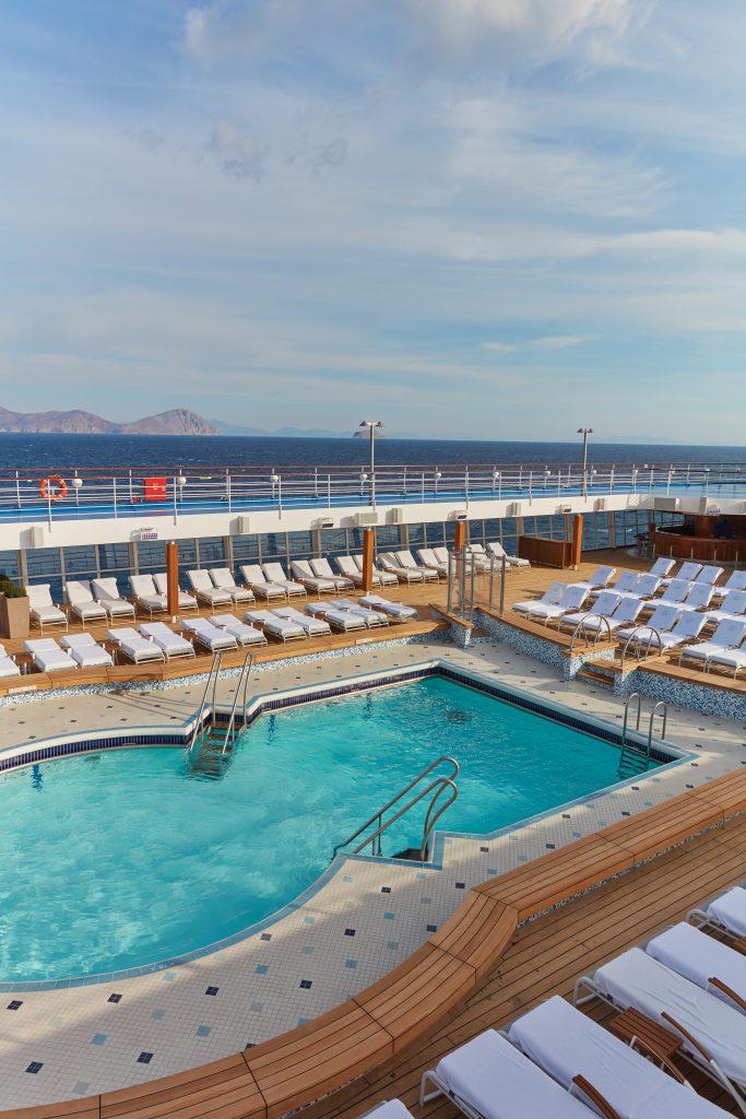 pool däck på regent seven seas