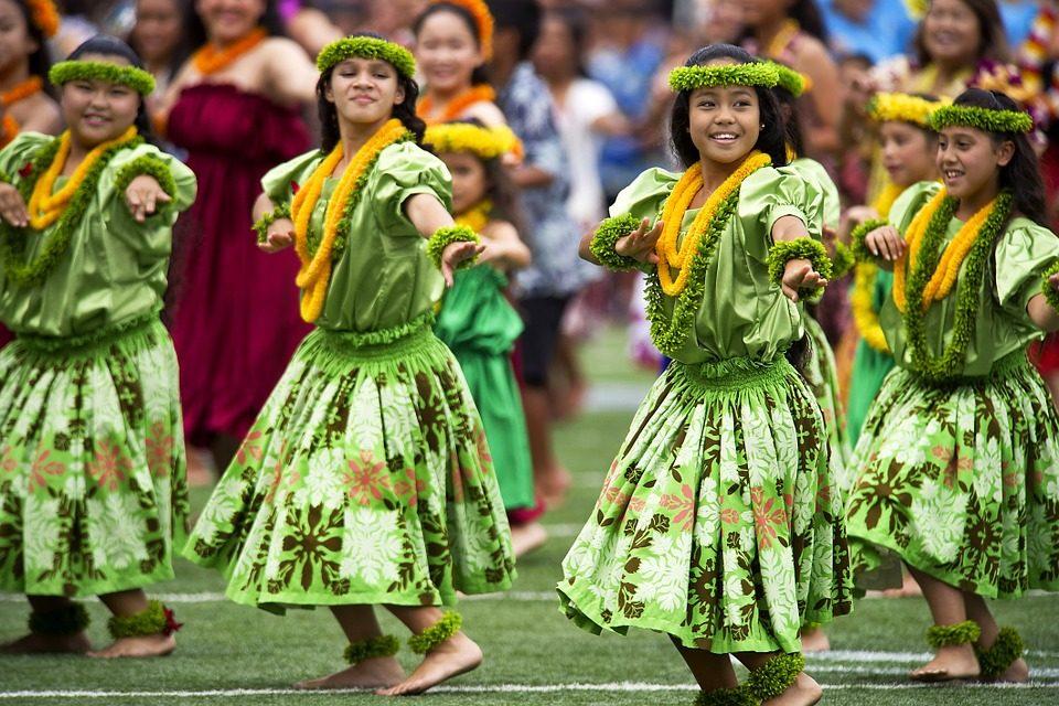 Hulahula dans en lokal tradition på ön maui