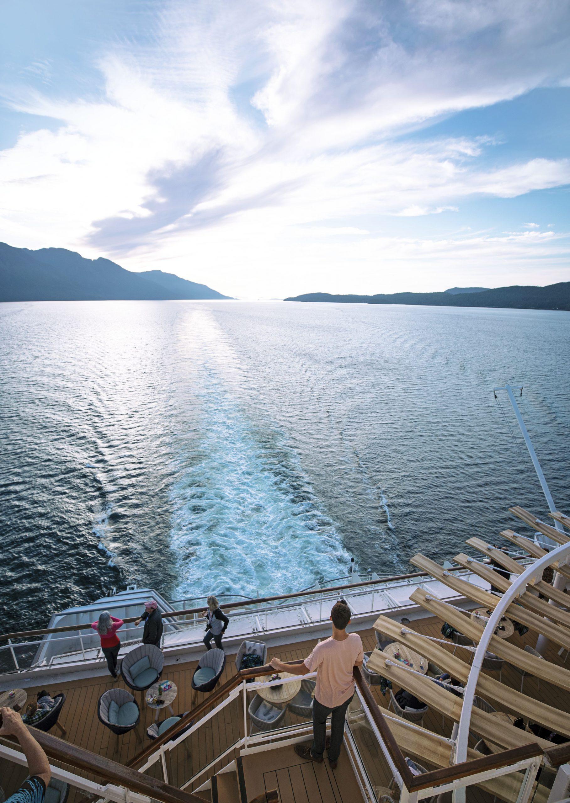 Vacker vy i aktern över Alaska med Celebrity Millenium