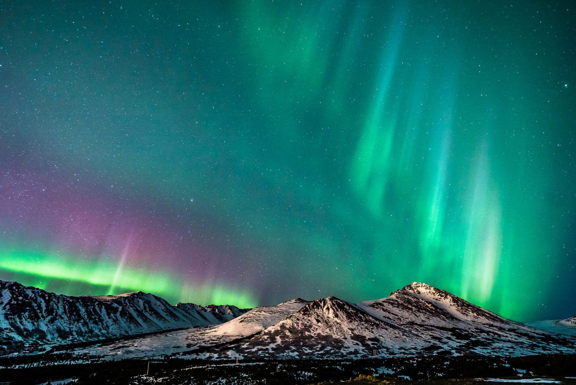 Färgstarkt norrsken i Anchorage, Alaska