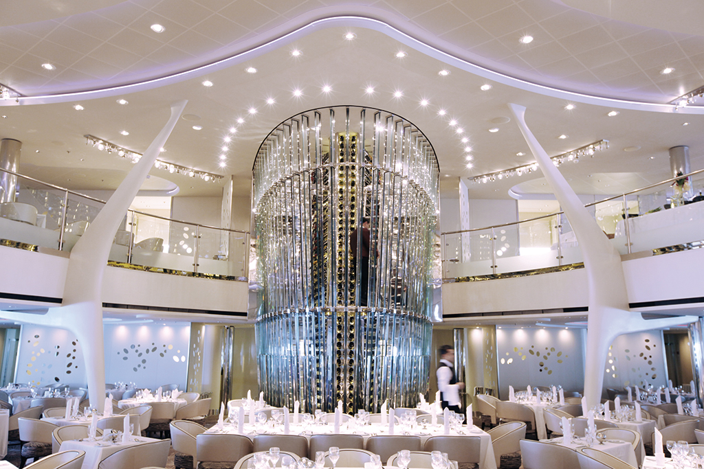Celebrity Solstice winetower i restaurang