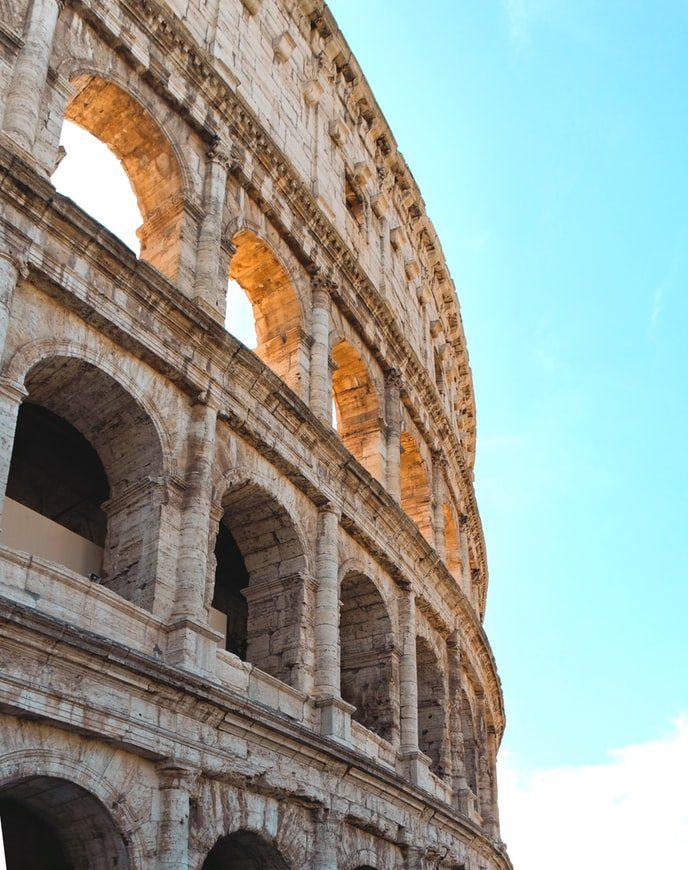 Närbild på Colosseum i Rom