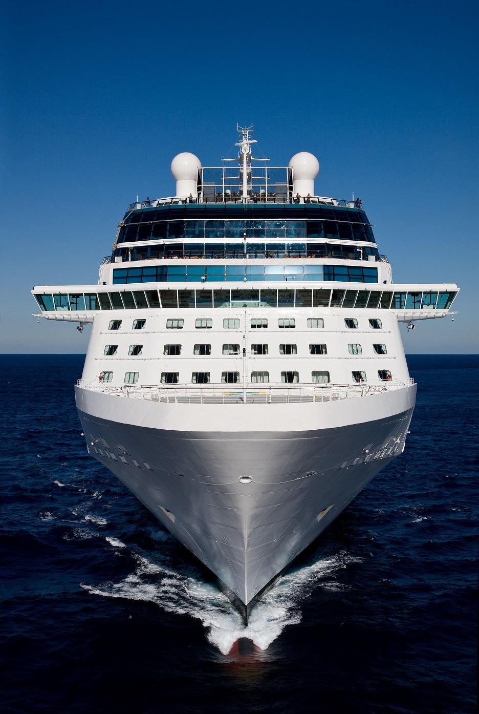 Celebrity Solstice kryssningsfartyg frontvy