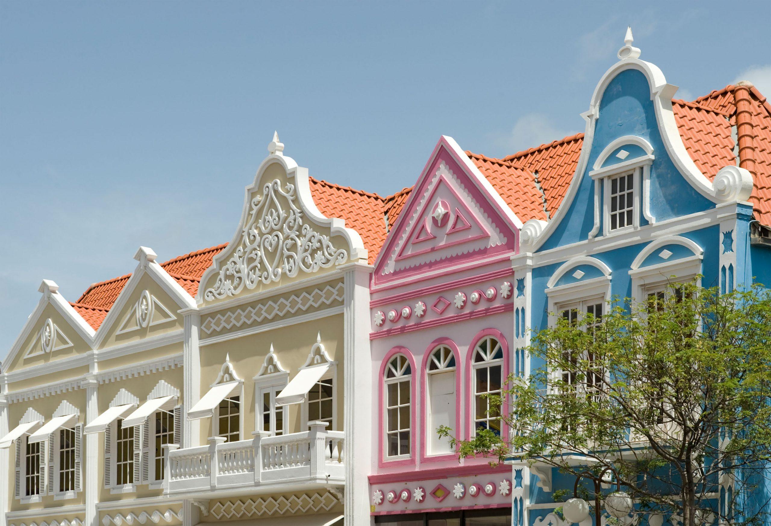 Färgglada hus i Aruba