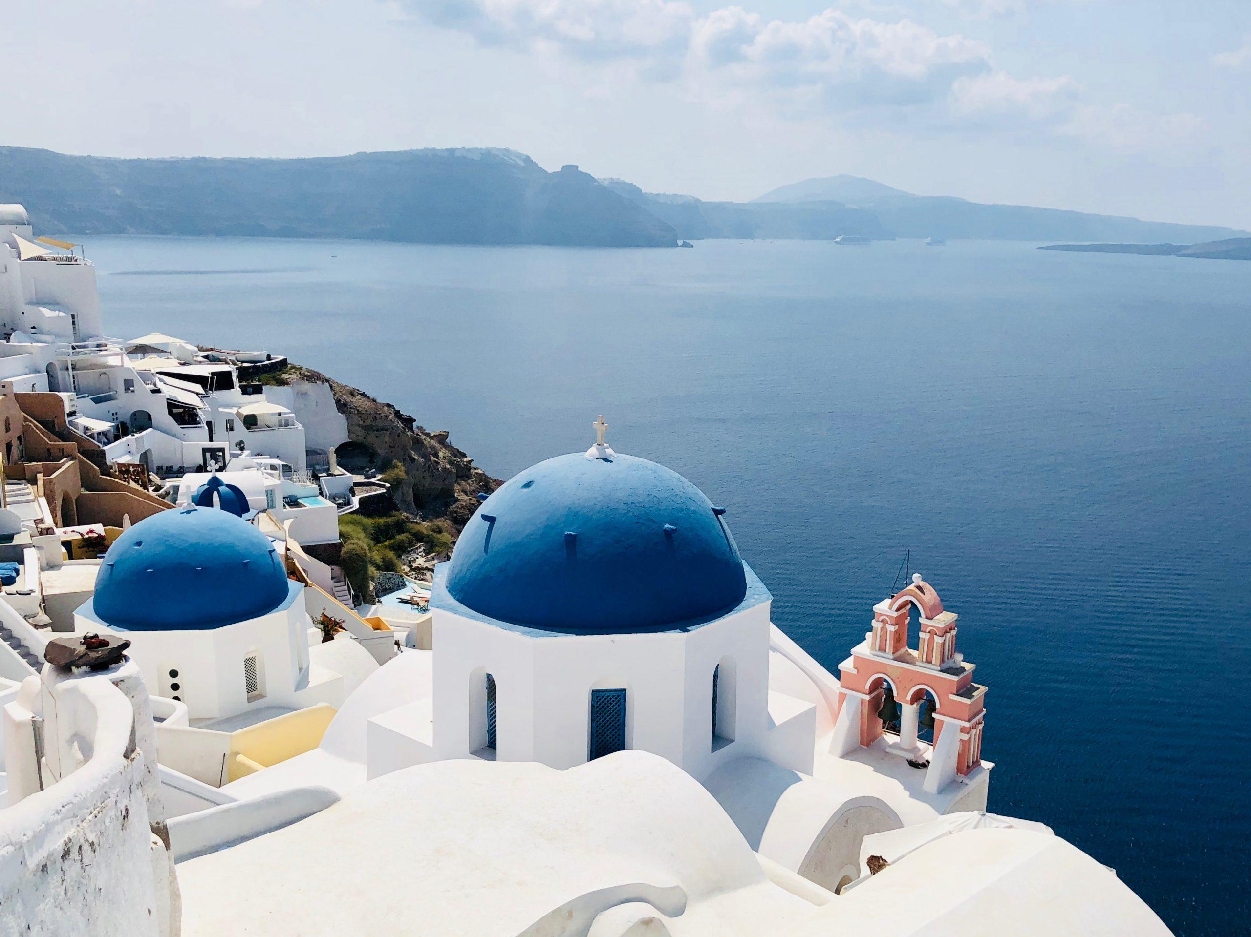 Blåa hustak i Santorini, Grekland