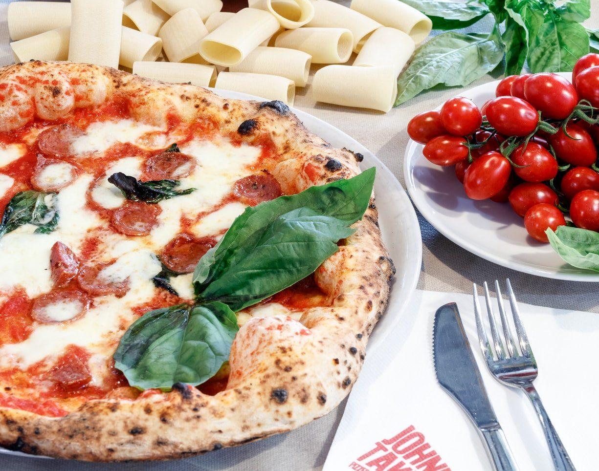 God mat i Italien med pizza och pasta