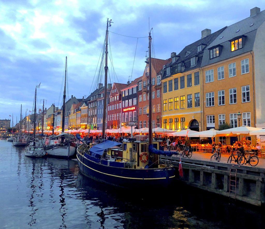 Kvällstid i Köpenhamn