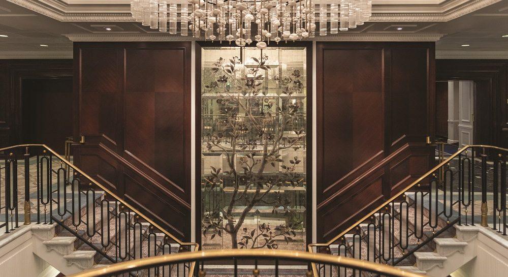 oceania cruises staircase