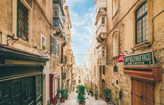 Gata i Valletta, Malta