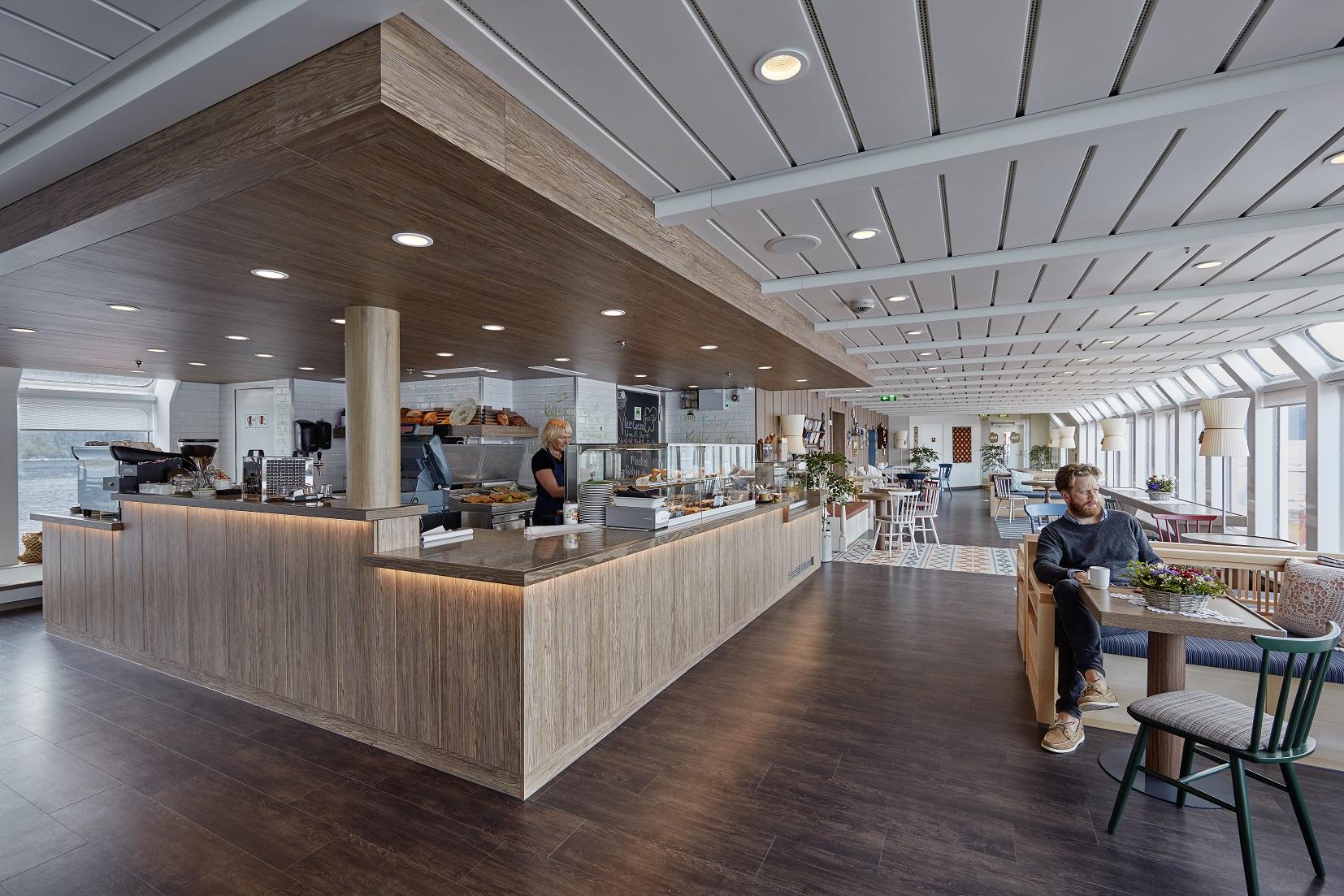 Bageri och glassbar ombord Hurtigrutens fartyg