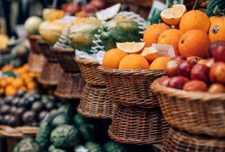 Färsk frukt på marknader i Funchal